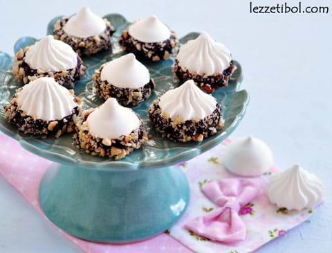 Çikolatalı Fındıklı Beze