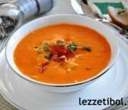 Kavrulmuş Kırmızı Biber Çorbası Ve Yoğurtlu Tatlı