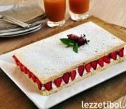 Kolay Çilekli Pasta