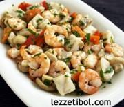 Karidesli Mezgitli Salata ve Fırında Sebzeli Tavuk