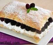 Böğürtlenli Milföy Pasta