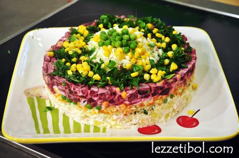 Pancarlı Beş Çayı Salatası