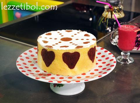 Meyveli Kalp Pasta