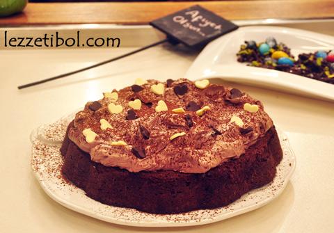 Çikolatalı Unsuz Pasta