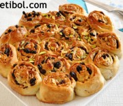 Üzümlü Cevizli Çörek Ve Patlıcanlı Börek